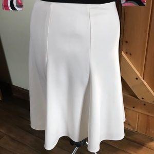 Worthington white skirt lined- new size Small